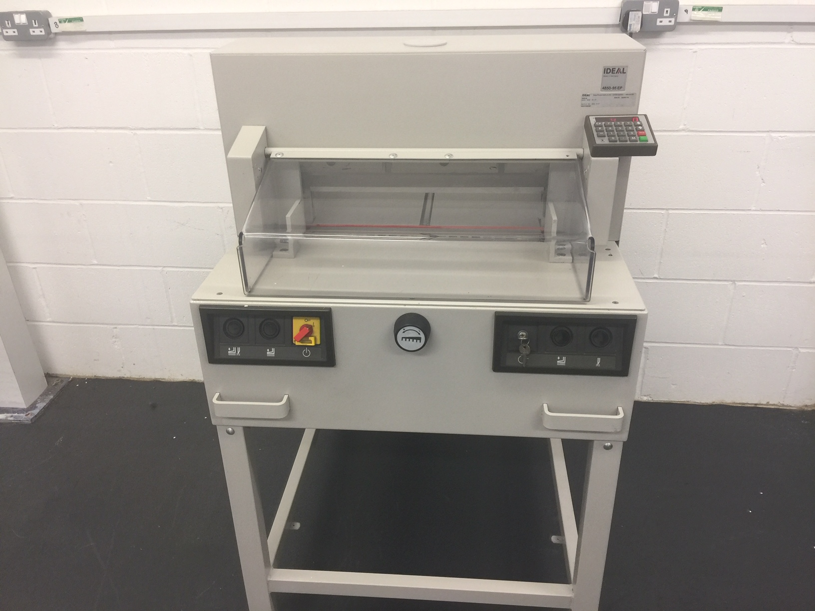 ideal-4850-95-ep-Guillotine