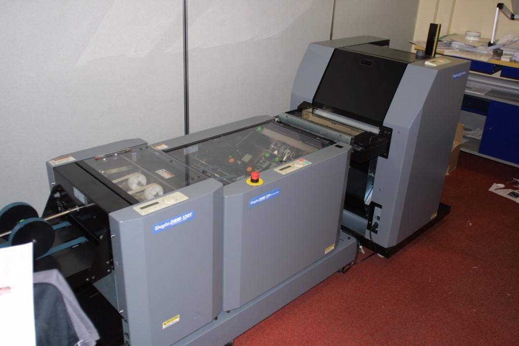 Duplo Digital System 2000 Booklet Maker